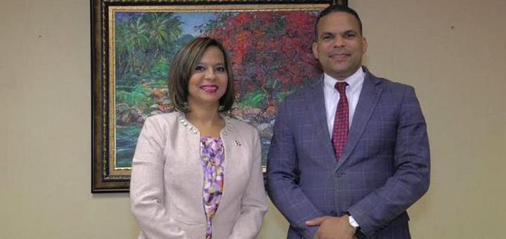Directora de Proconsumidor Anina Del Castillo y Moisés González